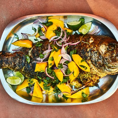 spiced-snapper-with-mango-and-red-onion-salad